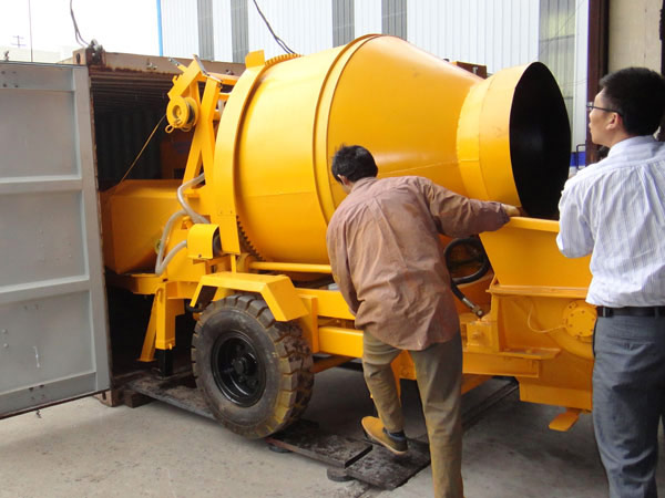 concrete mixer pump delivered to South Africa