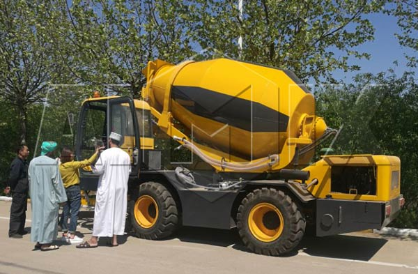 aimix self loading concrete mixer truk in Saudi Arabia