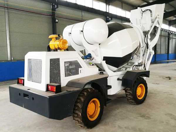 1.2m3 self-loading concrete mixer truk