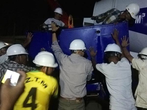 Aimix-self-loading-concrete-mixer-sent-to-Myanmar-3
