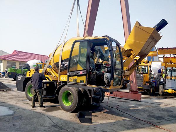 AIMIX-AS3.5B-self-loading-concrete-mixer-sent-to-Barbados-1